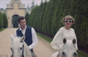 1415630700862_Image_galleryImage_Taylor_Swift_Blank_Space