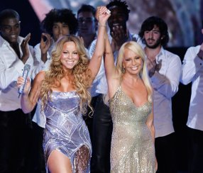 Divas-united-Mariah-Carey-Donatella-Versace-took-stage-21